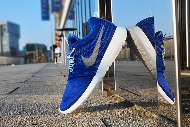 Nike Roshe Run Dynamic Flywire Hyper Blue 1