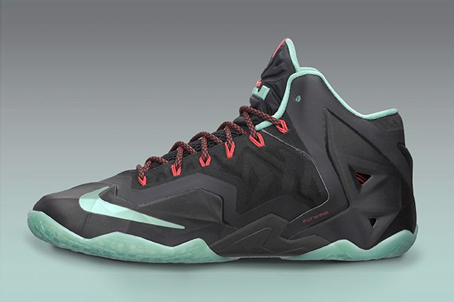 Lebron 11 Diffused Jade Sideview2