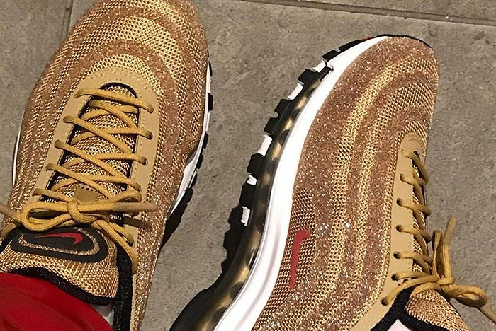 Air Max 97 Gold Mettalic 1