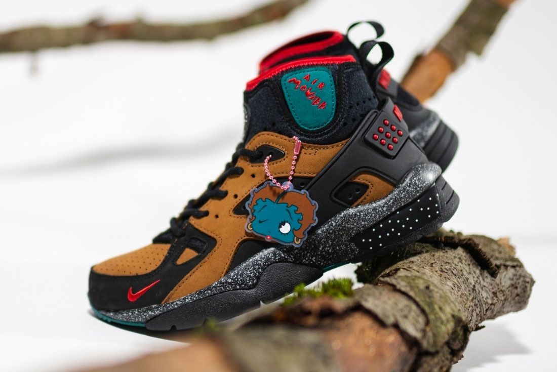 Olivia Kim Nike Air Mowabb Tree Left