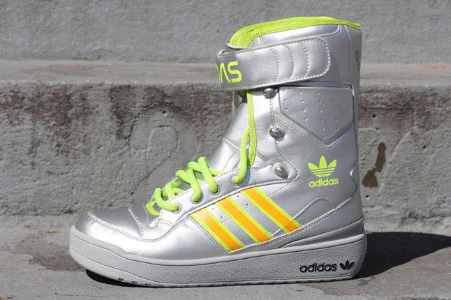 Adidas Jeremy Scott Snow Boat G61104 Metallic Silver Profile 1