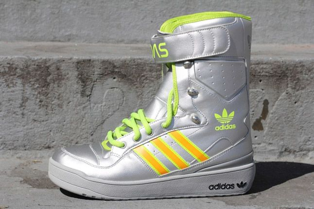 Adidas Jeremy Scott Snow Boat G61104 Metallic Silver Profile 1
