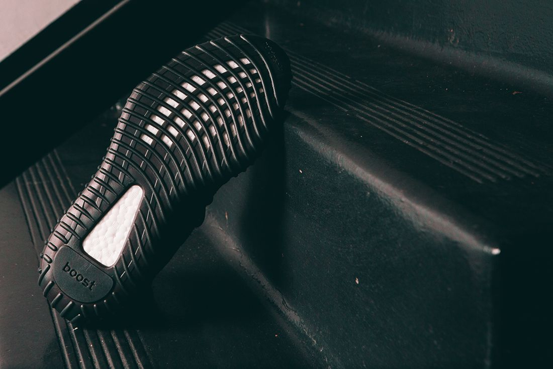 Adidas Yeezy Boost 350 V2 Black15