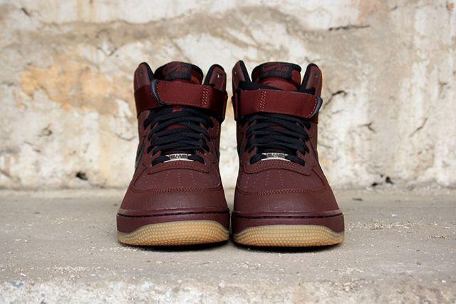 Nike Air Force 1 Brown Gum 2