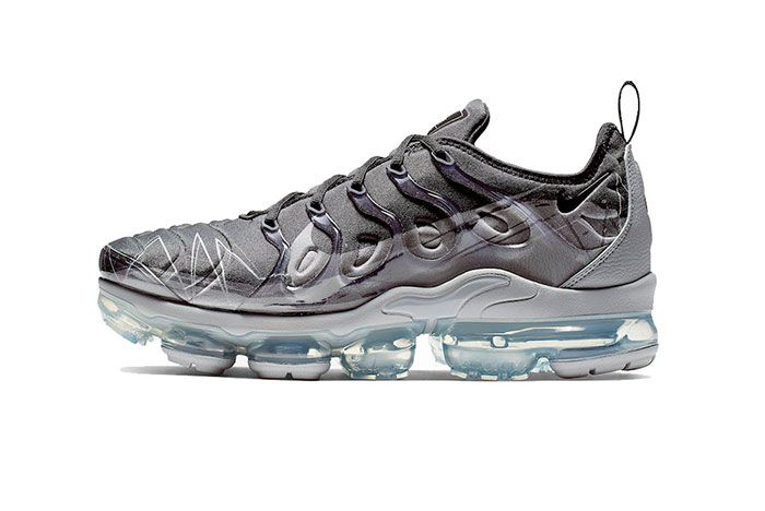 Vapormax Plus Wolfgrey Side Shot 3
