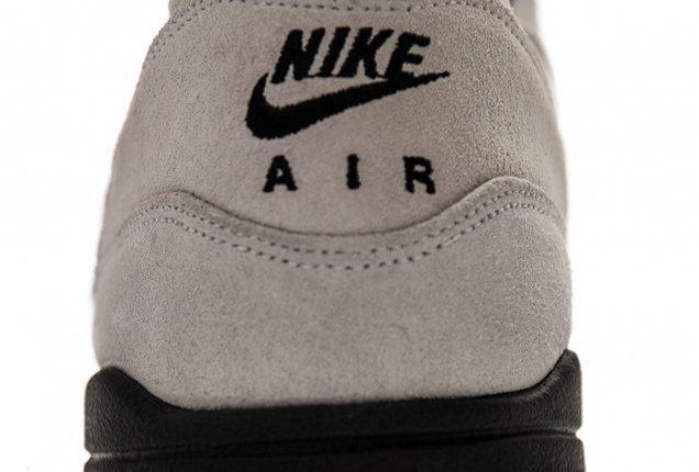 Nike Air Max 1 Summit White Summit Heel Details 1