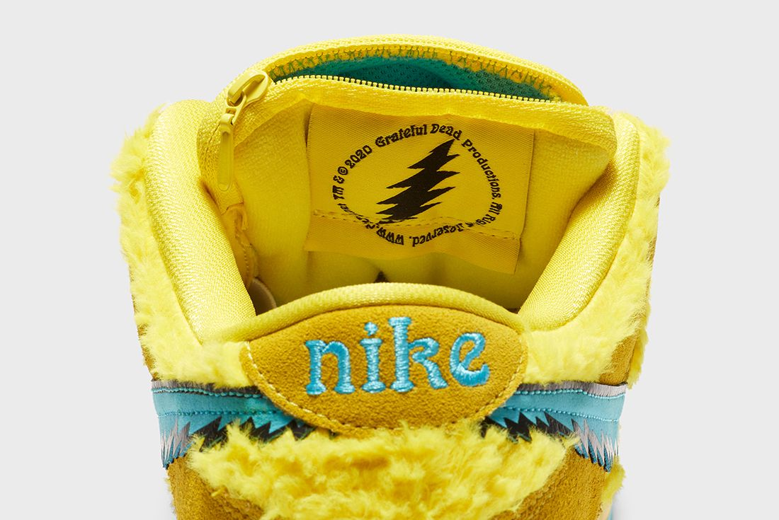 Grateful Dead x Nike SB Dunk Low Yellow Heel