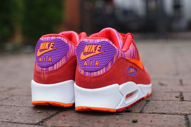 Nike Air Max 90 Light Crimson Graphic Pattern