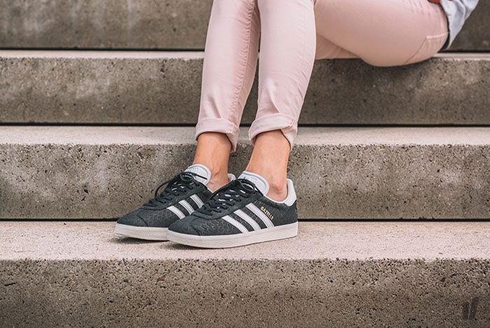 Adidas Gazelle Wmns Core Black Crystal White Chalk White 8