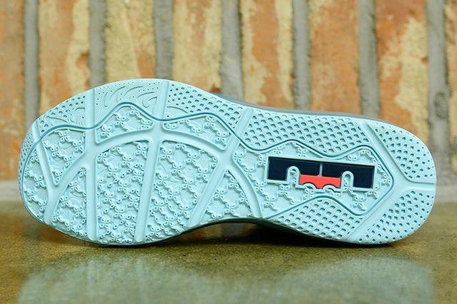 Nike Lebron 11 Low Turbo Green 3