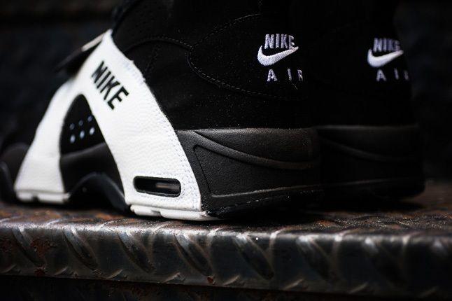 Nike Air Veer Black Heel Detail