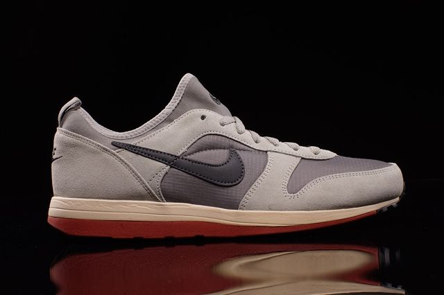 Nike Archive 75M Light Charcoal 5
