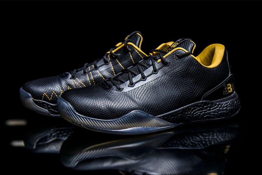 Zo2 Sneaker Left