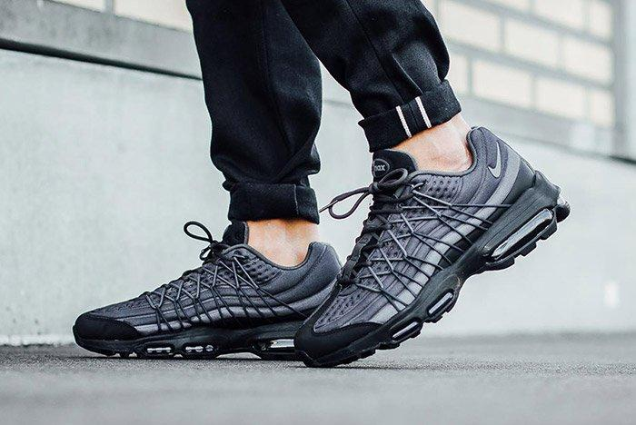 Nike Air Max 95 Ultra Se Black Dark Grey 3