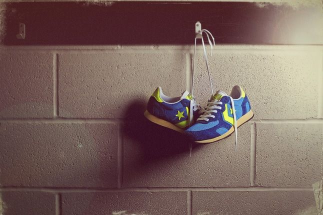 Converse Auckland Racer Size Exclusive Blue Hanging 1