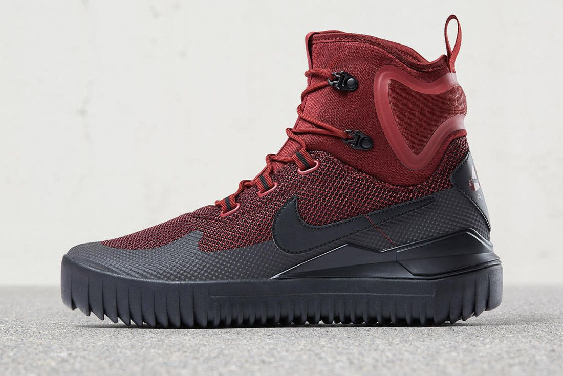 Nike Air Wild Boot Mid Red 3