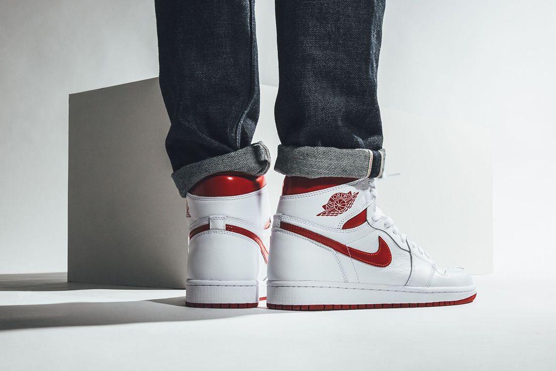 Air Jordan 1 High Og Metallic Red2 2
