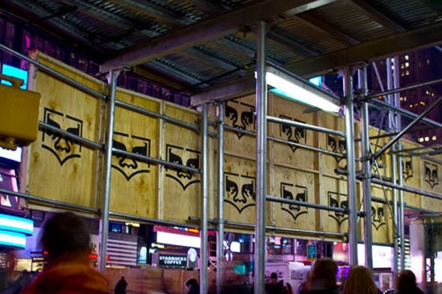 Obey Levis Live Installation Shepard Fairey Time Square 10 1