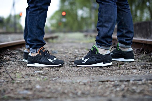 Solebox Saucony Shadow5000 The Lucanid Tracks Hero 1