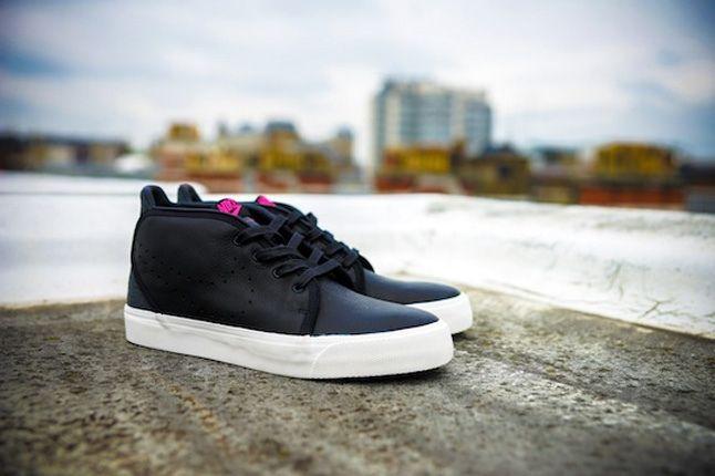 Nike Size Urban Safari Toki Black Profile 1