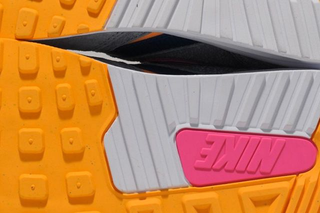 Size Nike Air Max Light Cement Pack 1