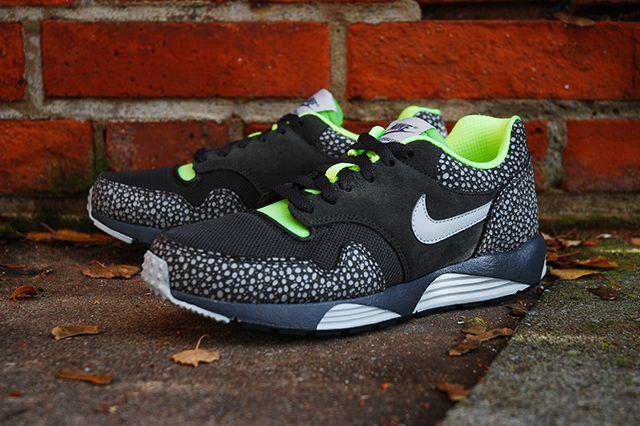 Nike Lunar Terra Safari Black Volt 1