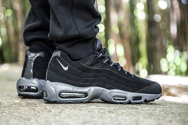 Nike Air Max 95 Black Dark Grey Bump