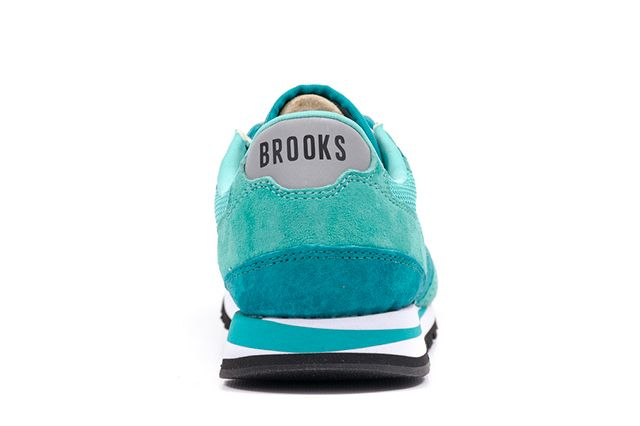 Brooks Chariot Wmns Collection 7