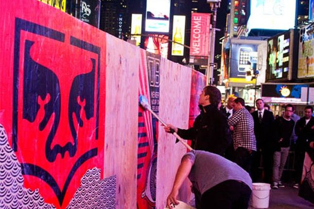 Obey Levis Live Installation Shepard Fairey Time Square 03 1
