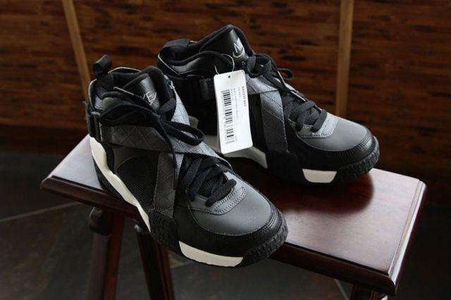 Nike Air Raid Black Grey 02