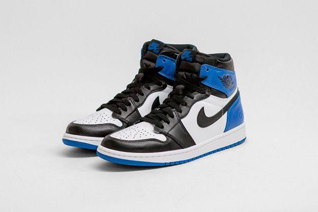 Air Jordan 1 Fragment Design 2
