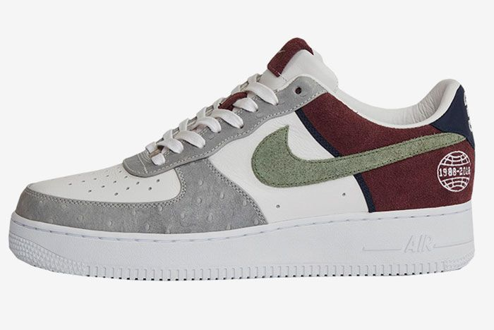 Nike Sneakersnstuff Air Force 1 Friends And Family 1