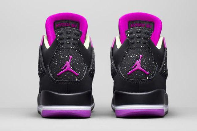 Air Jordan 4 Wmns Black Grape 3