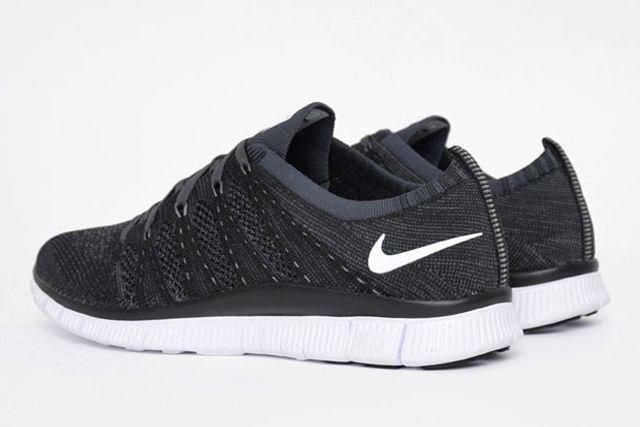 Nike Free Flyknit Oreo