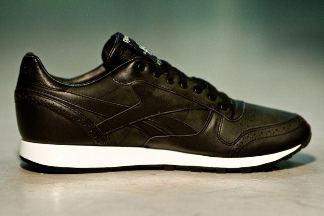 Salong Betong Reebok Classic Leather Side 1
