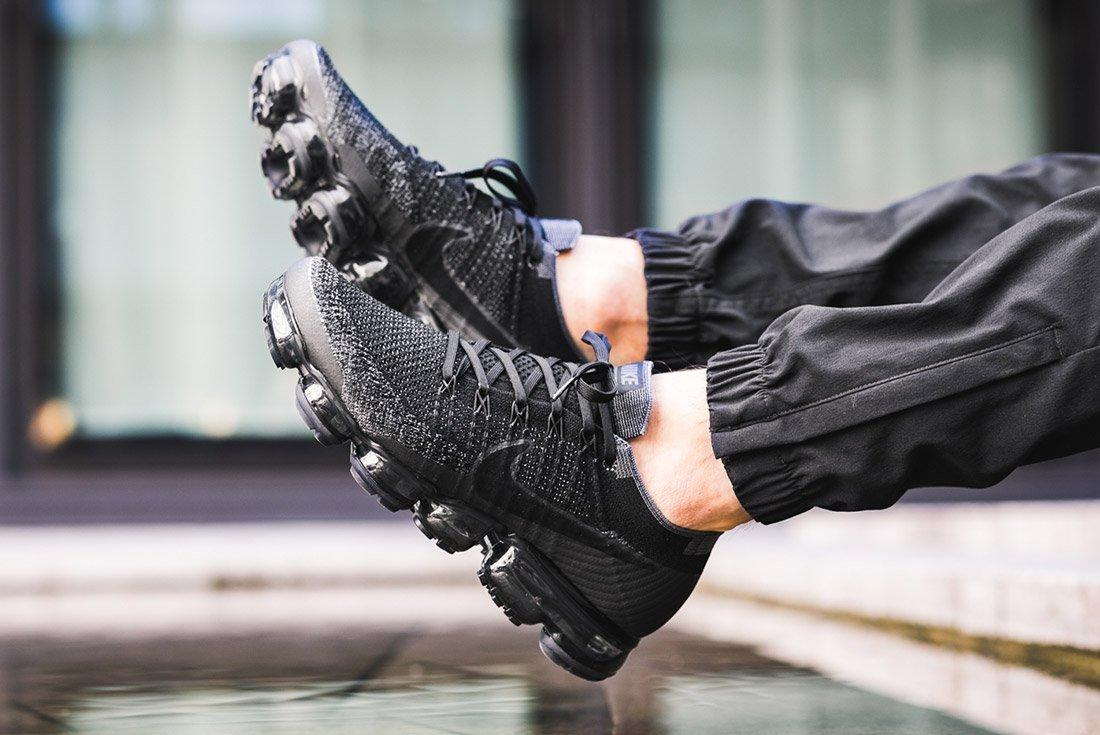 Nike Air Vapormax Black Anthracite On Feet 3