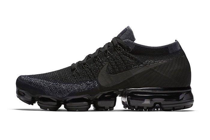 Nike Vapormax Triple Black 5