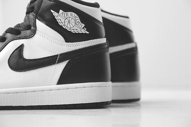 Air Jordan 1 Black White 5
