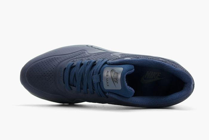 Nike Am1 Ultra Moire Midnight Navy Mate Bump 2