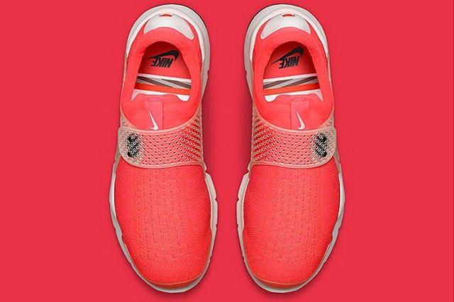 More Nike Sock Dart 6