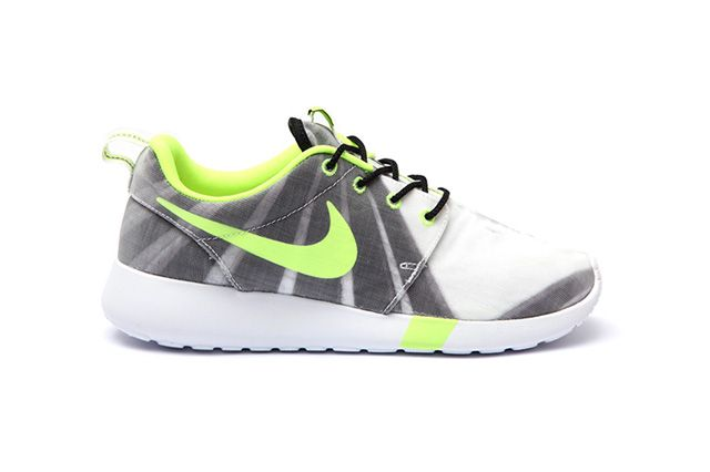 Nike Wmns Roshe Run Air Max 1 Training Pack 1