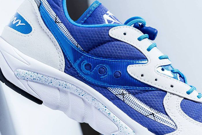 Saucony Aya Blue Logo Detail Shot