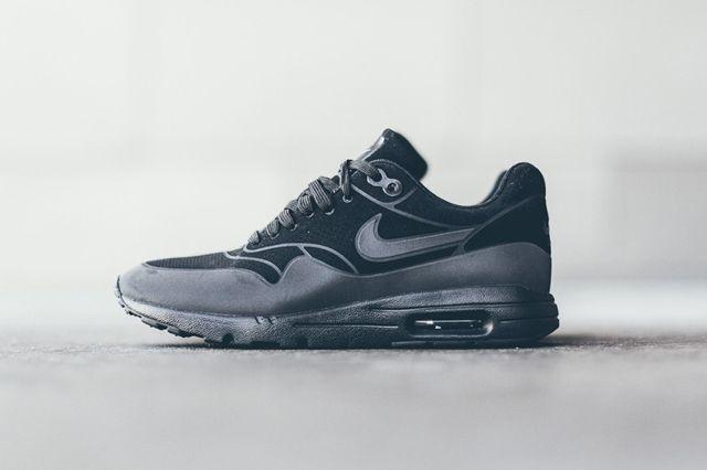 Nike Am1 Ultra Moire Black Black 1