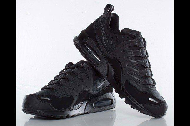 Black Nike Air Max 2