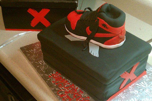 Sneaker Freaker Sneaker Cakes Air Jordan 1 Banned 01 1