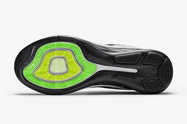 Nike Flyknit Lunar 3 White Black 2