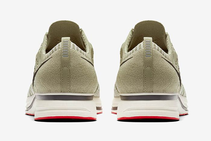 Nike Flyknit Trainer Neutral Olive Release 4