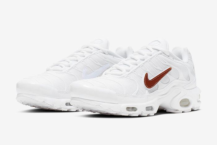 Nike Air Max Plus White Velcro Swoosh Quarter