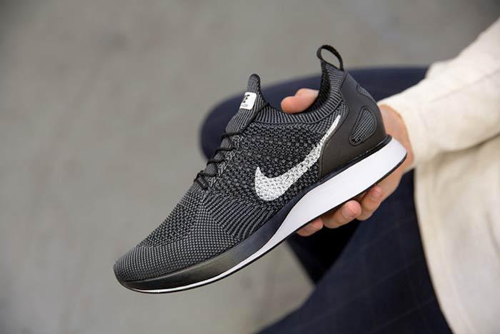 Nike Flyknit Mariah Racer 2