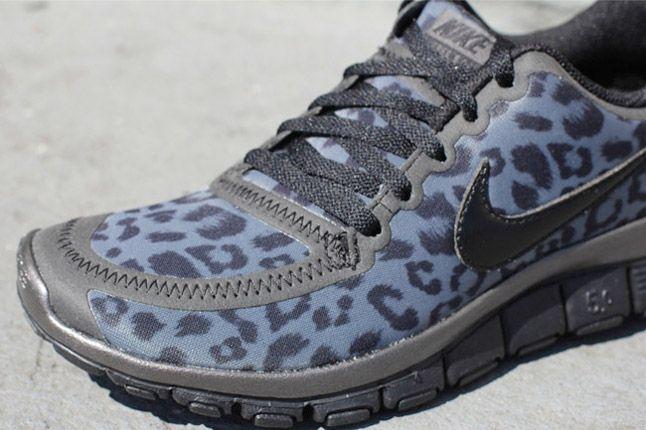 Nike Free 5 0 V4 Leopard Pack Black Quater 1